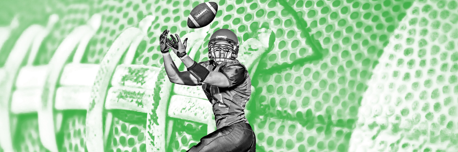 Football player catching